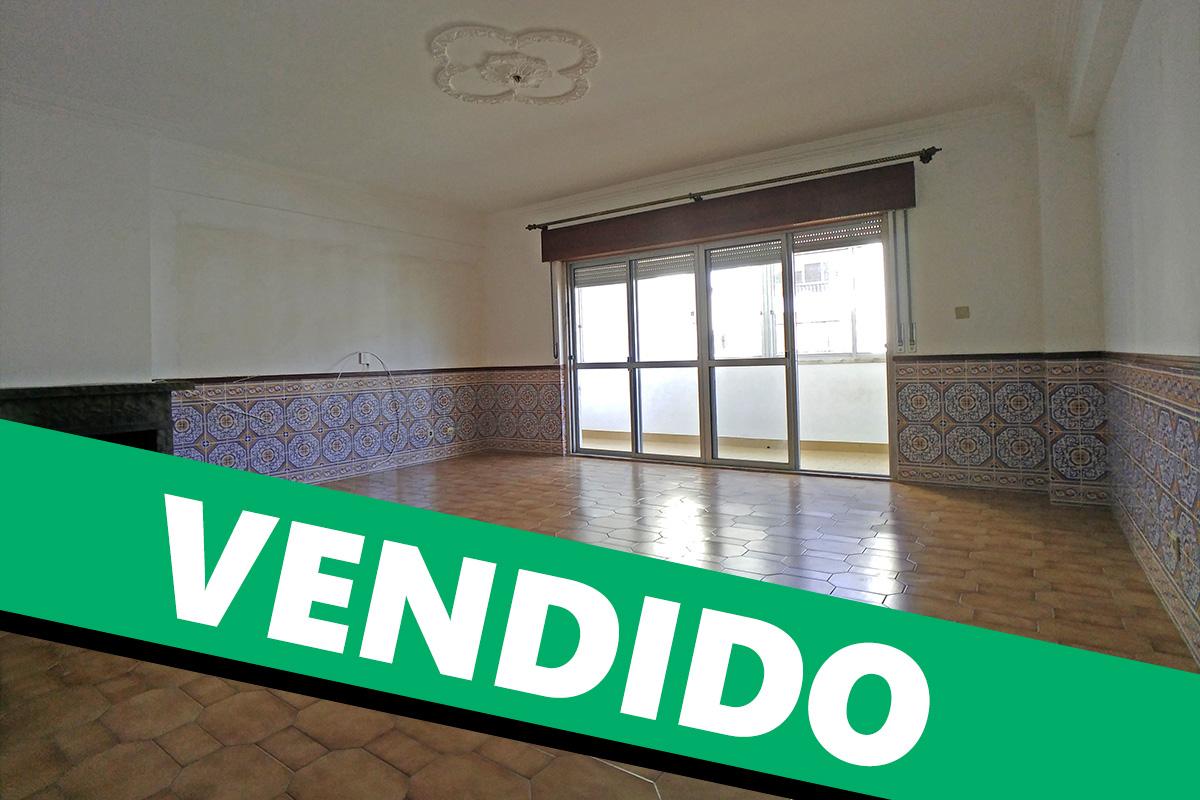 Apartamento T3 em Massamá no Casal do Olival